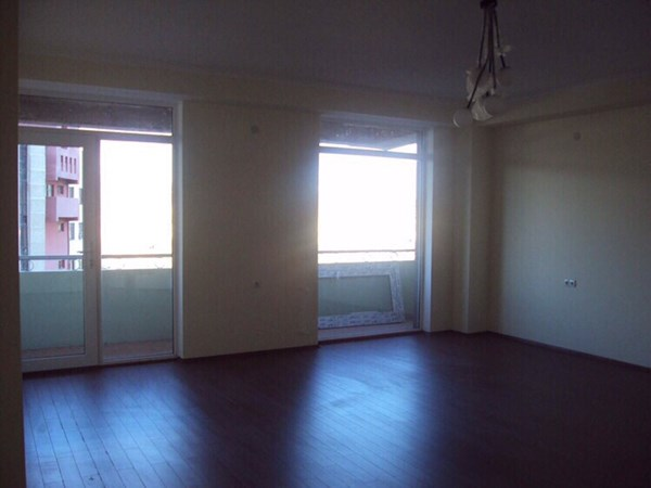 For rent: 35-37 Zhiuli Shartava Street, Tbilisi