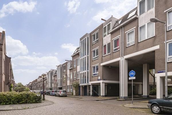 Sold subject to conditions: Leeuwerikstraat 14C, 1021 GL Amsterdam