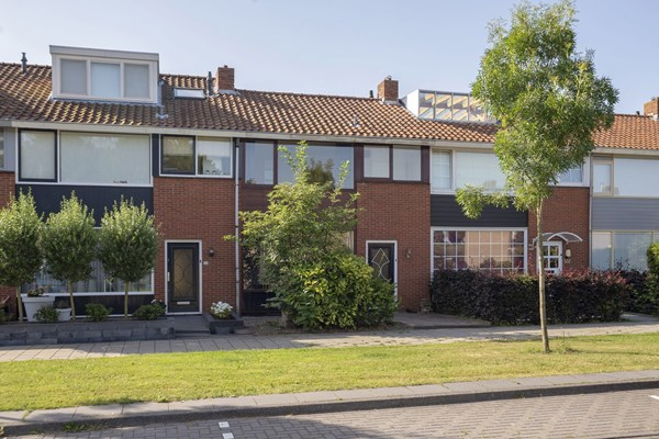 Sold subject to conditions: Overweerse Polderdijk 124, 1442 AE Purmerend