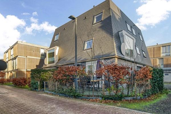 For sale: Goudbalpad 30, 1036 KH Amsterdam