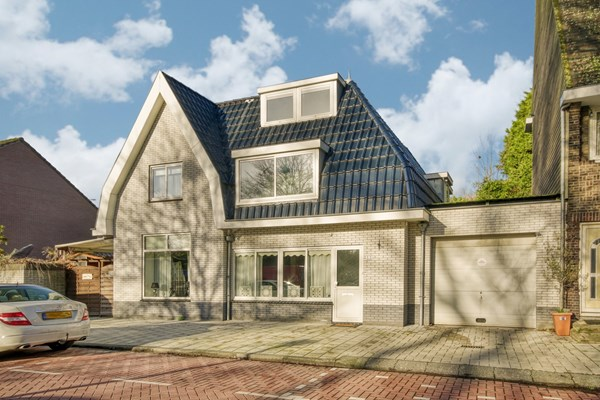 Sold subject to conditions: Kometensingel 88, 1033 BX Amsterdam