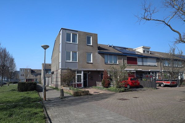 Sold subject to conditions: Krasseurstraat 133, 1033 DJ Amsterdam