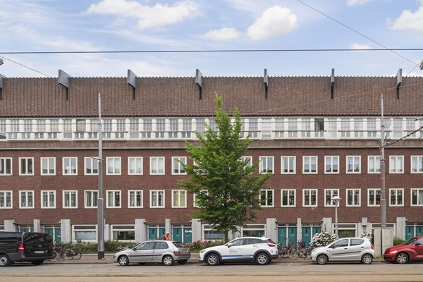 Sold subject to conditions: Hoofdweg 351I, 1056 CP Amsterdam