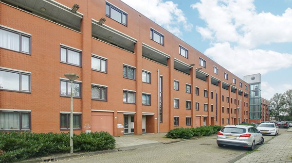 Property photo - Suze Groenewegplantsoen 15, 1067DB Amsterdam