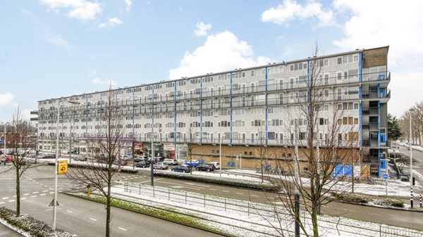 Sold subject to conditions: Pieter Calandlaan 403, 1068 NK Amsterdam