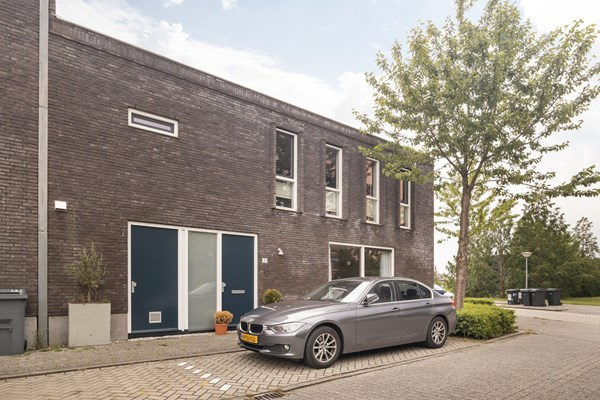 Sold subject to conditions: Juwelenstraat 21, 1336 TC Almere