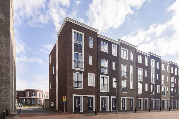 Sold subject to conditions: Zwitserlandstraat 40, 1363 BE Almere