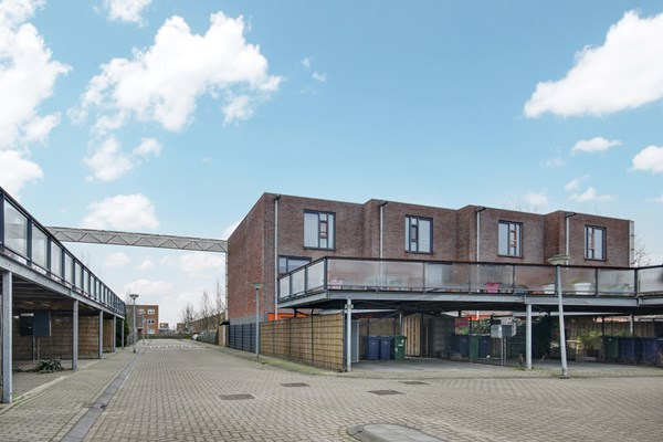 Sold subject to conditions: Roef 5, 1319 AJ Almere