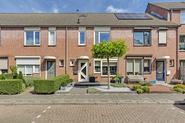 J C Hoevenaarstraat 4, Lage Zwaluwe