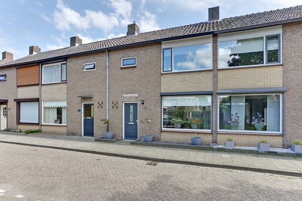 Asterstraat 13, Made