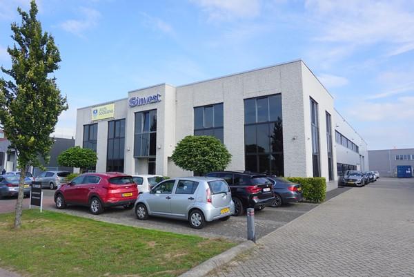 Te huur: Representatieve kantoorruimtes op industrieterrein De Berk, nabij A2 en A73.