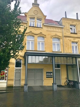 For rent: Luxury furnished 2 bedroom apartment located in the center of Valkenburg!