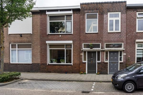 Pastoor van Eekelenstraat 12, Bergen op Zoom