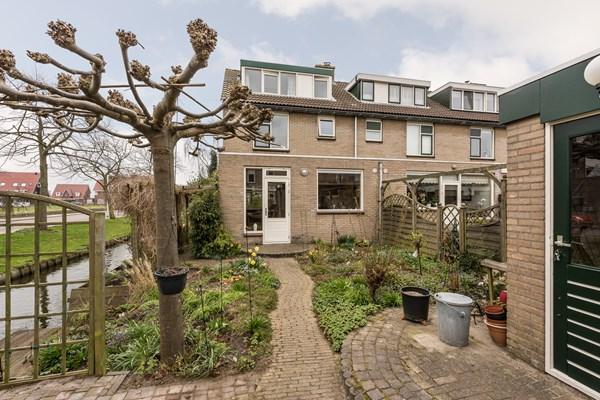 Te koop: Uitgebouwde 6 kamer hoekwoning met voor-, zij- en achtertuin op mooie locatie in Maasland