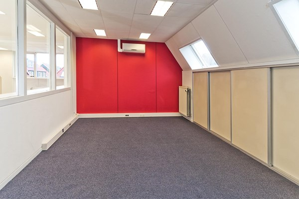 Medium property photo - Noordeinde 117ABC, 1121 AJ Landsmeer