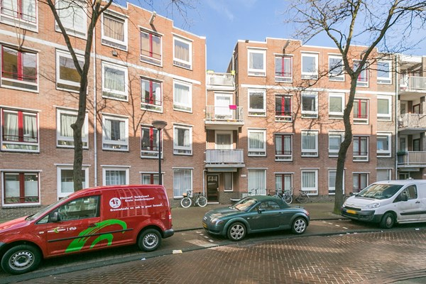Sold subject to conditions: Formosastraat 55, 1094 SW Amsterdam