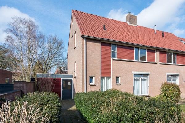 Te koop: Opgelet, dit is een unieke kans om op een fijne en rustige locatie een ruime 2^1 kap woning met garage te kopen!