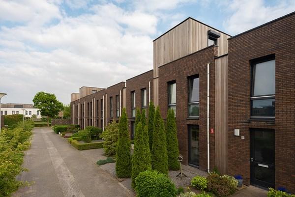 Waardenburgstraat 92, Tilburg