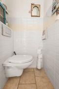 02-Toilet-01.jpg