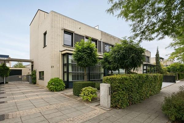 Morelberg 37, Roosendaal