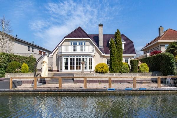 For sale: Grote vrijstaande Villa in de Eilandenbuurt van Almere-Buiten!