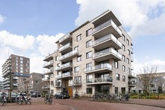Sold subject to conditions: Rie Mastenbroekstraat 63, 1095MJ Amsterdam