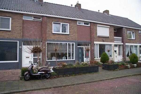 Wezerstraat 16, Heemskerk