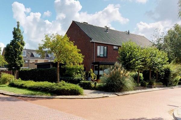 Walraven Van Hallstraat 1, Heemskerk