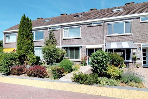 Prof Ten Doesschatestraat 221, Heemskerk