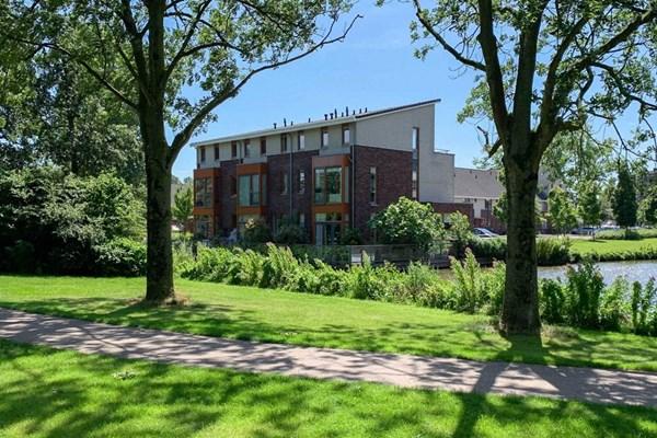 Lessestraat 126, Heemskerk