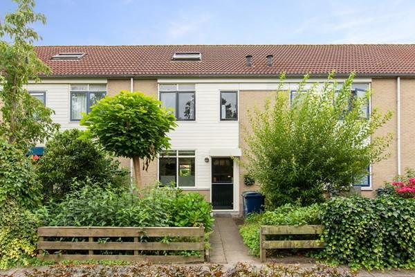 Helmgrasveld 6, Almere