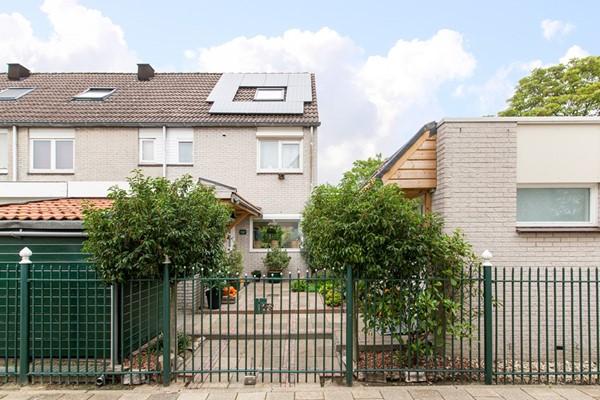 Amerhof 31, Almere