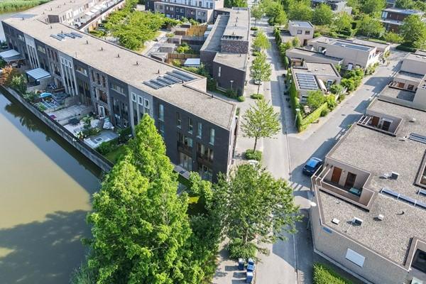 Juwelenhof 1, Almere