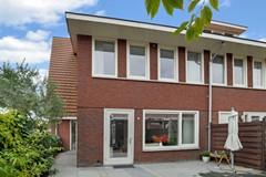 vrouw-avenweg-31-den-haag-zh-house-photography-extended_027.JPG