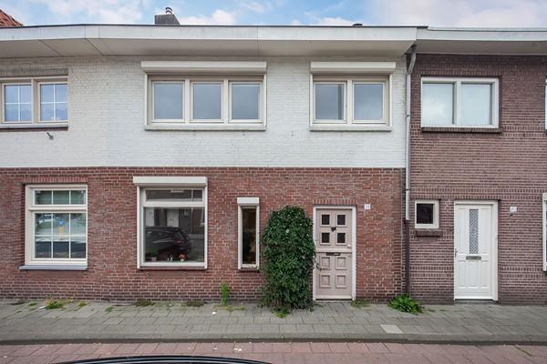 Rosmolenplein 38, Tilburg