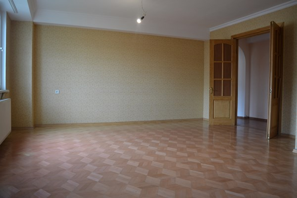 For sale: 51-2 Ilia Chavchavadze Avenue, Tbilisi