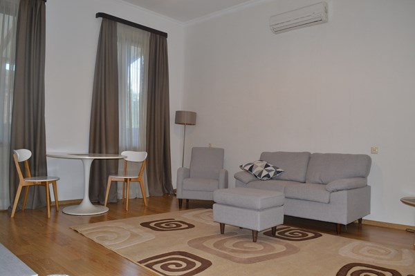 For rent: 22 Titsian Tabidze Turn, Tbilisi
