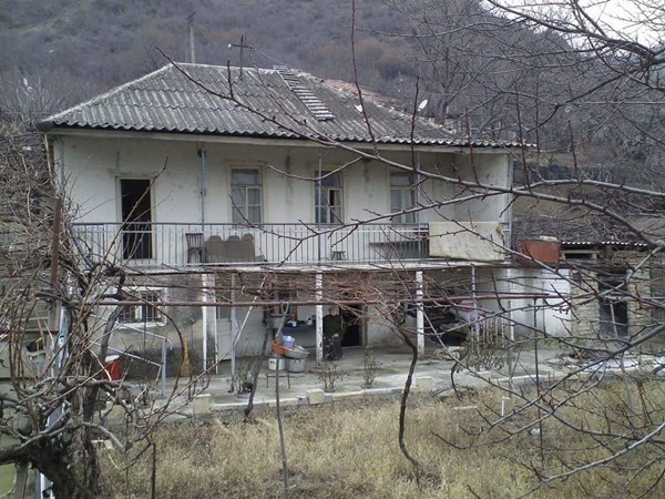 For sale: Mukhatgverdi