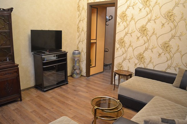 For rent: 27 Alexander Griboedov Street, Tbilisi