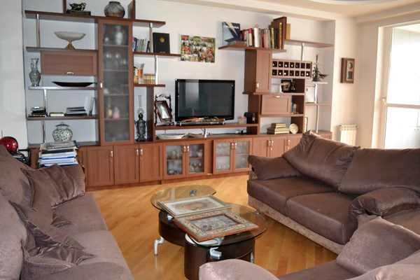 For sale: 37. Ilia Chavchavadze Avenue, Tbilisi