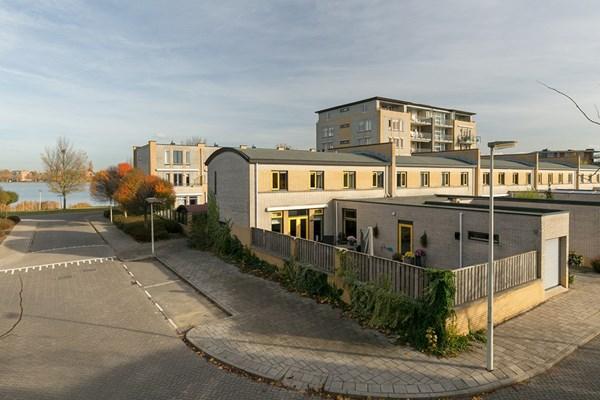 Aak 10, Bergen op Zoom