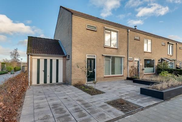 Prins Willem Alexanderstraat 2, Oud-Alblas