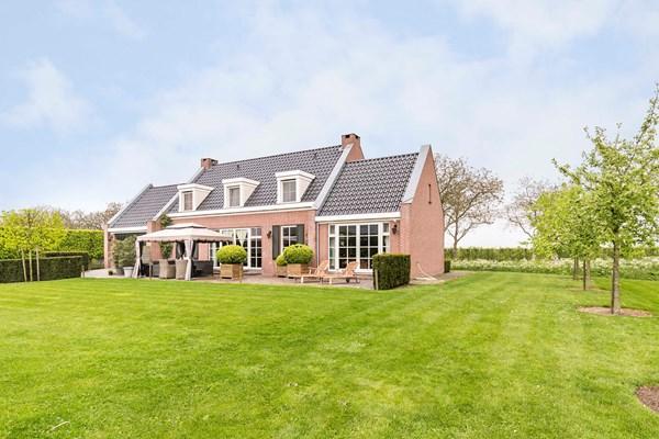 Te koop: Unieke kans: Schitterend landhuis met handelskwekerij op zichtlocatie nabij de A2.