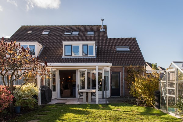 Sold subject to conditions: Schacht 45, 6641 PV Beuningen