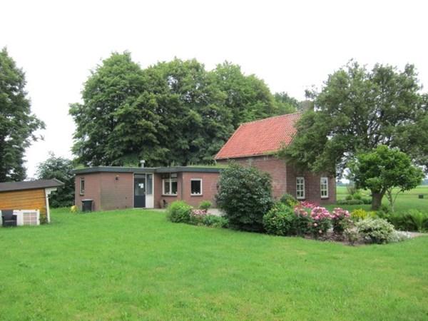 Te koop: Op een centrale plek in het noorden van Nederland gelegen locatie voor een te renoveren of nieuw te bouwen intensieve veehouderij, op een perceel van 02.16.82 ha.a.ca..