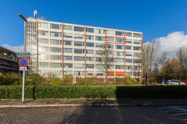 Verkocht onder voorbehoud: Burgemeester A. van Walsumlaan 83, 3135 WE Vlaardingen